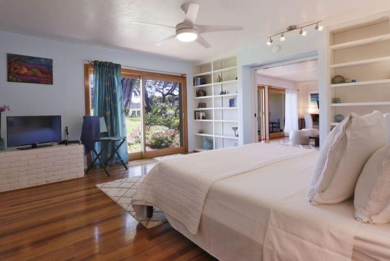 a Hawaiian bedroom