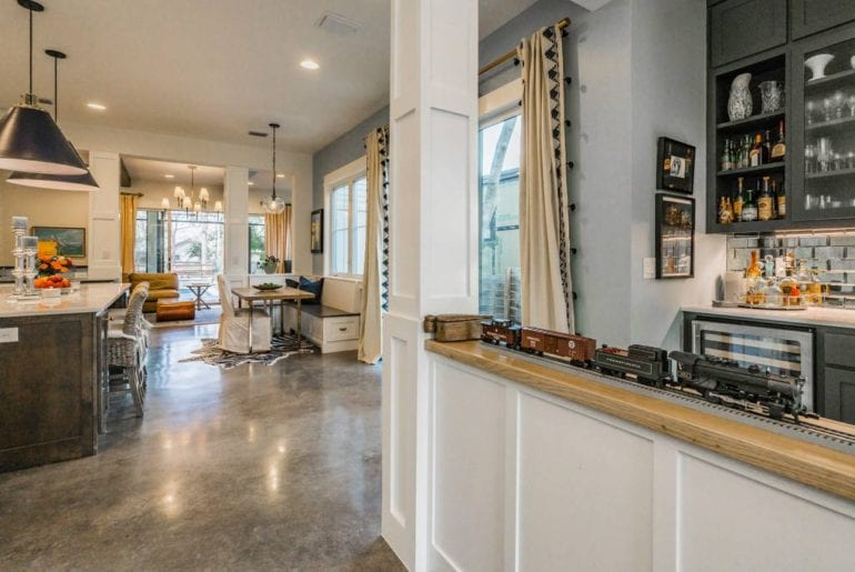 beautiful and modern austin airbnb home