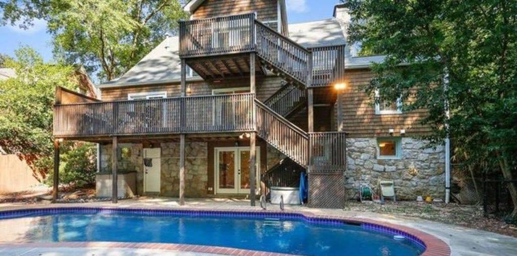 atlanta airbnb pool home