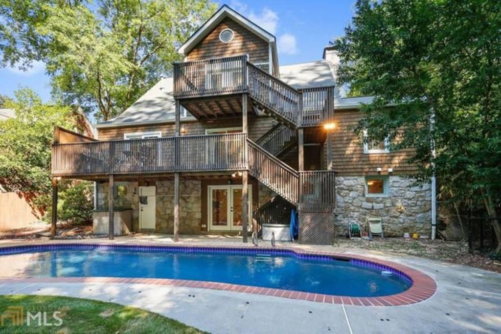 8 Cool Airbnb Rentals In Virginia Highland Atlanta S