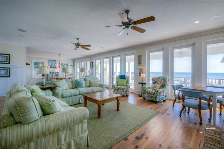 a living room in a south carolina holiday rental