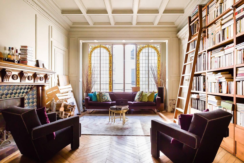stylish parisian airbnb near eiffel tower
