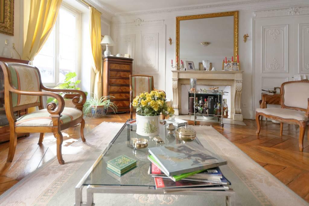 gorgeous apartment close to the opera garnier