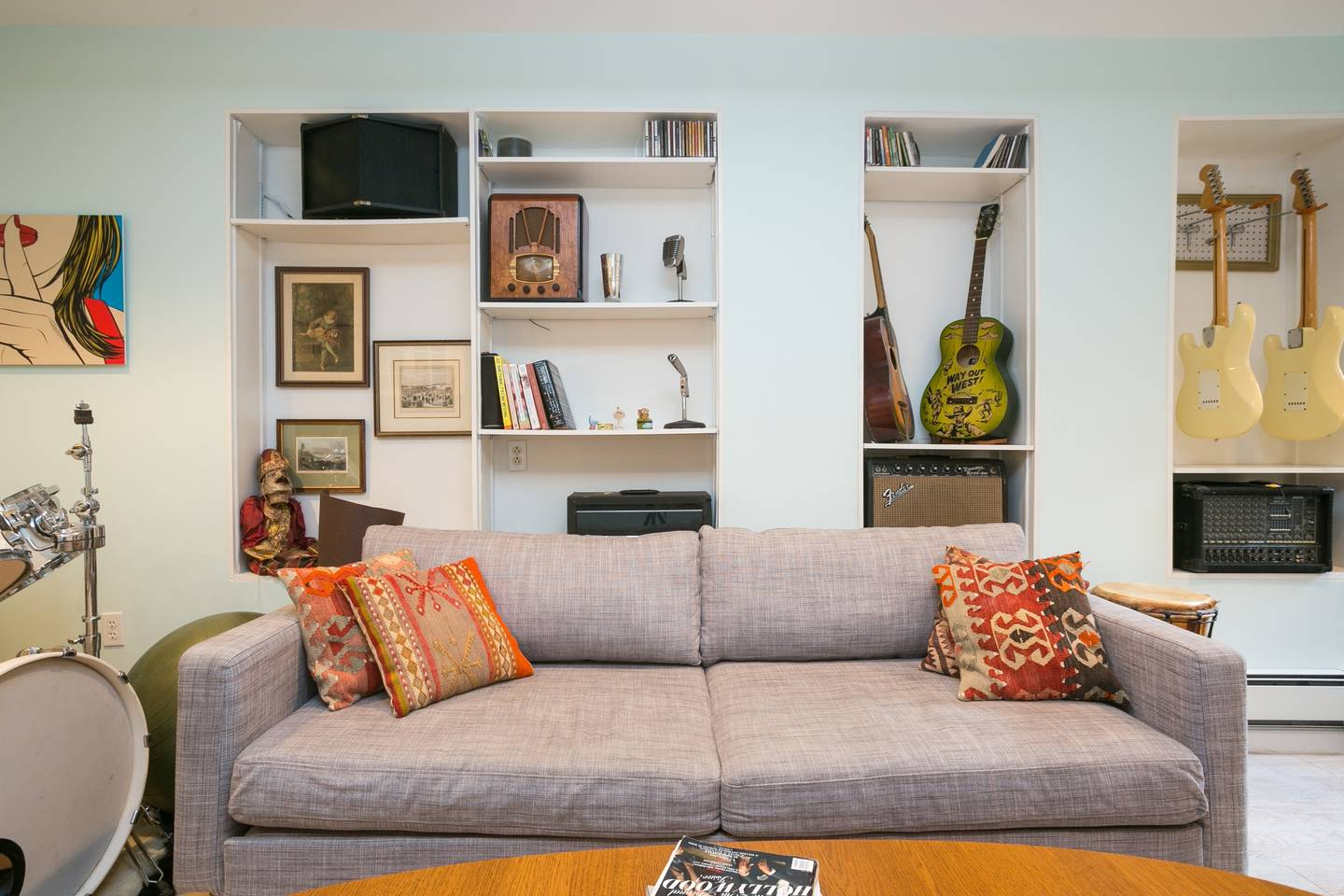 cool musicians apartment in brooklyn from airbnb