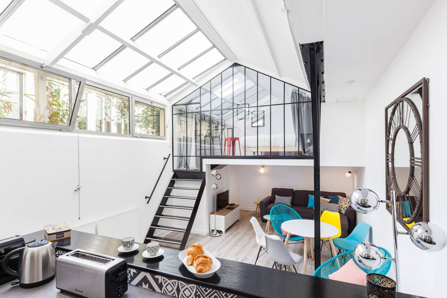 glass walled property near paris markets