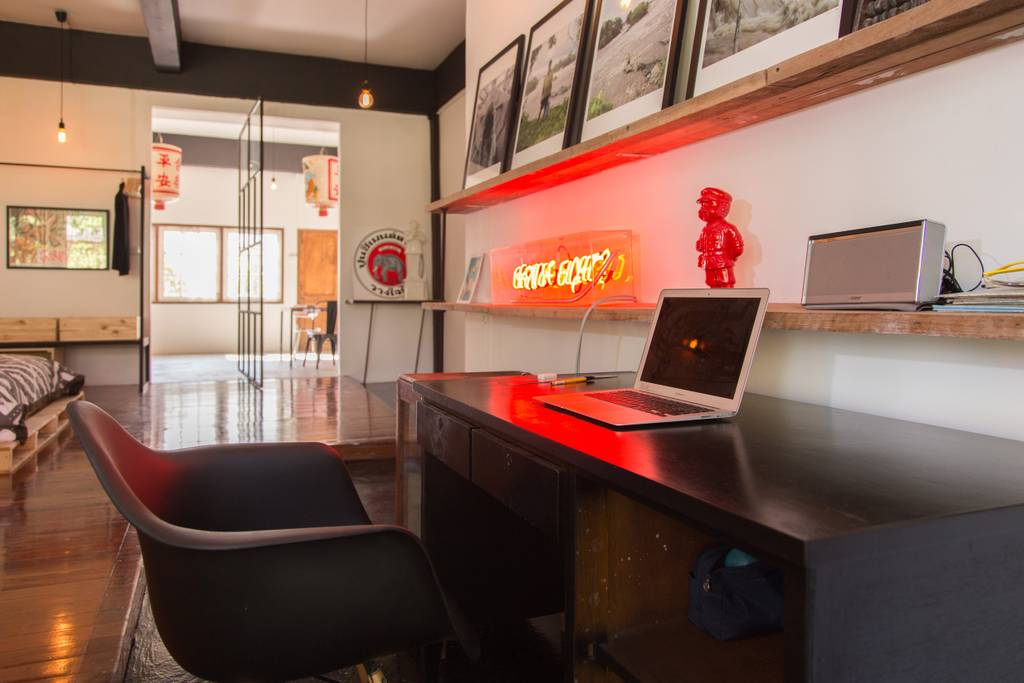 trendy airbnb near bangkok chinatown