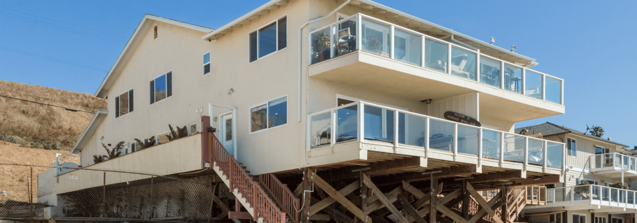 beachfront house LA Airbnb risen