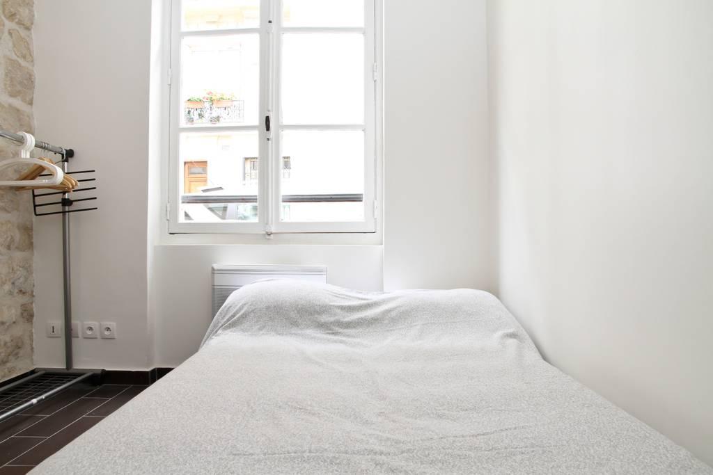 elegant paris airbnb close to the metro