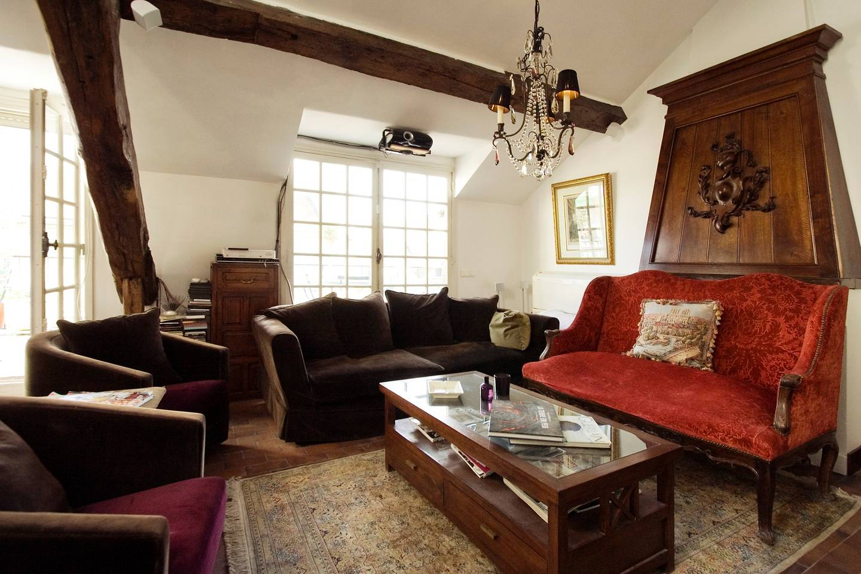 airbnb apartment on ile st louis paris