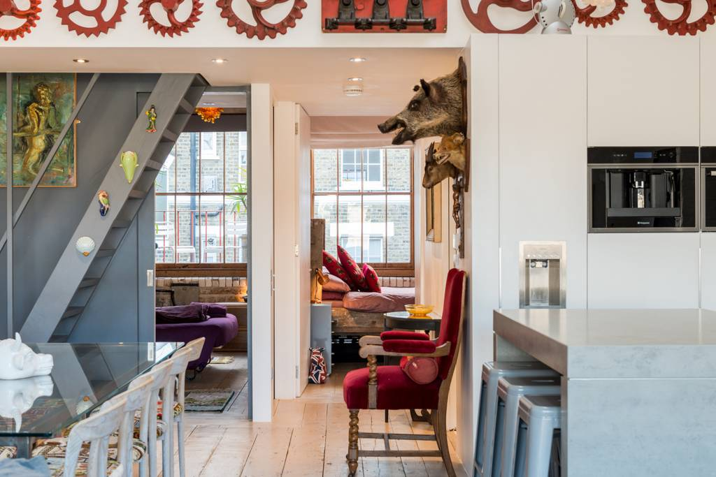 family friendly london airbnb with boar's head