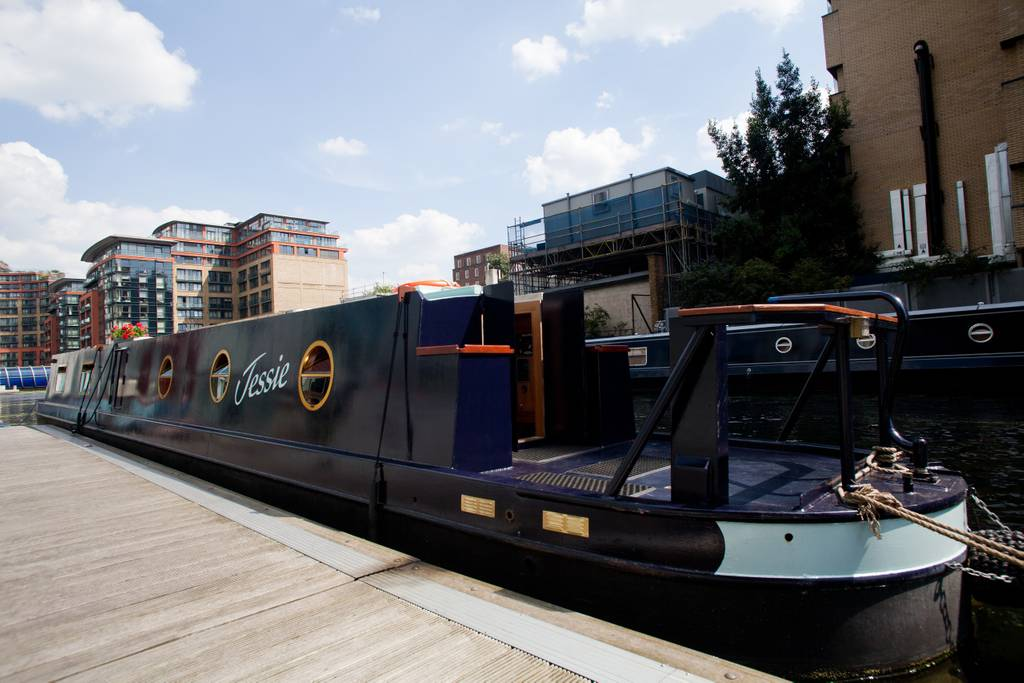 jessie the family friendly narrowboat in little Venice