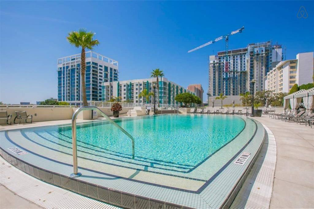 orlando penthouse close to universal studios