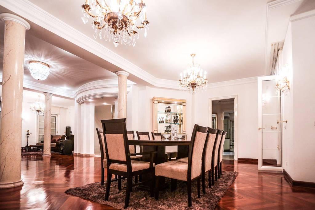 deluxe airbnb villa in desirable belgrade neighborhood