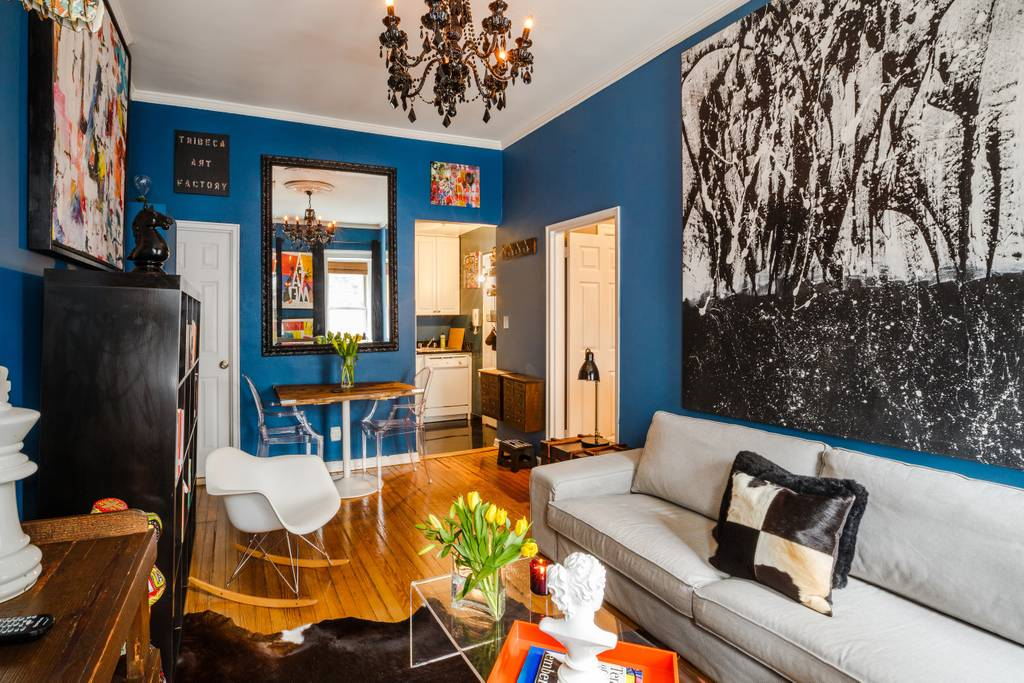 pop art airbnb new york home