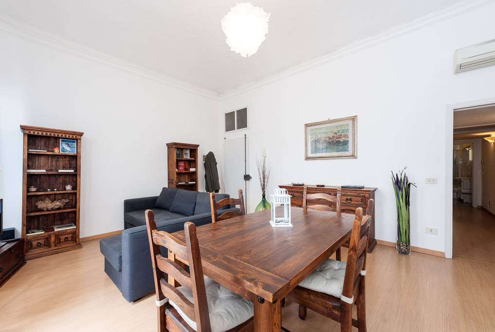 airbnb apartment in residential part of florence
