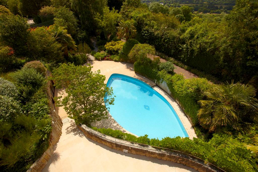 7 acre castle estate with swimming pool and outbuildings