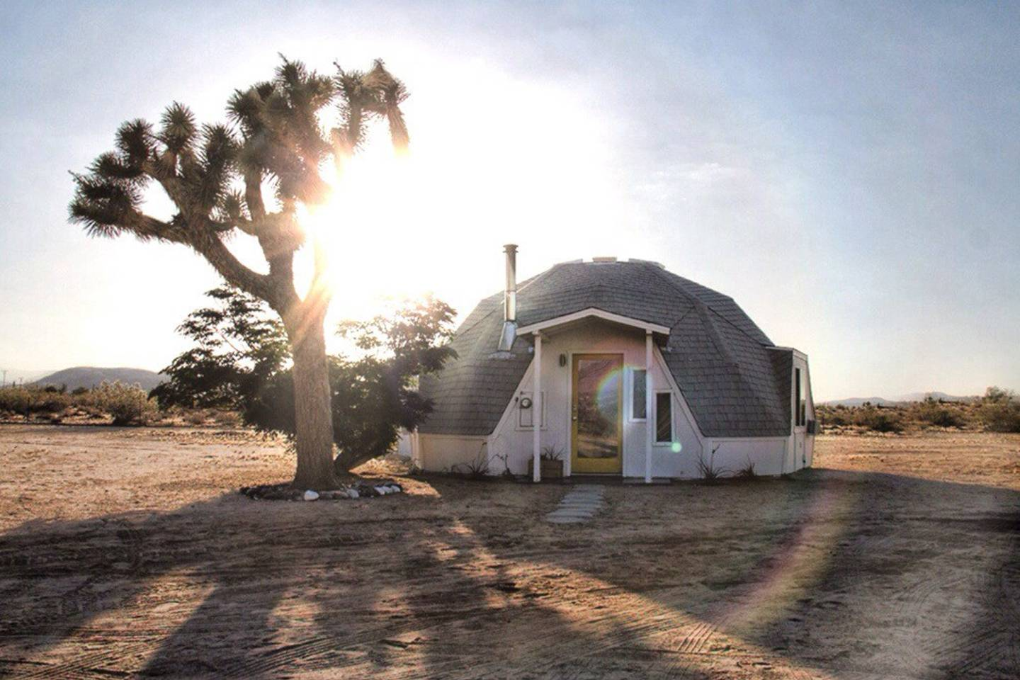 airbnb geodesic desert home close to coachella