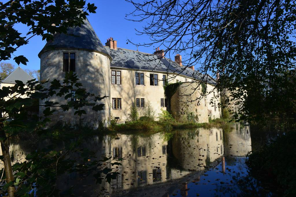 stunning 11th century castle airbnb france