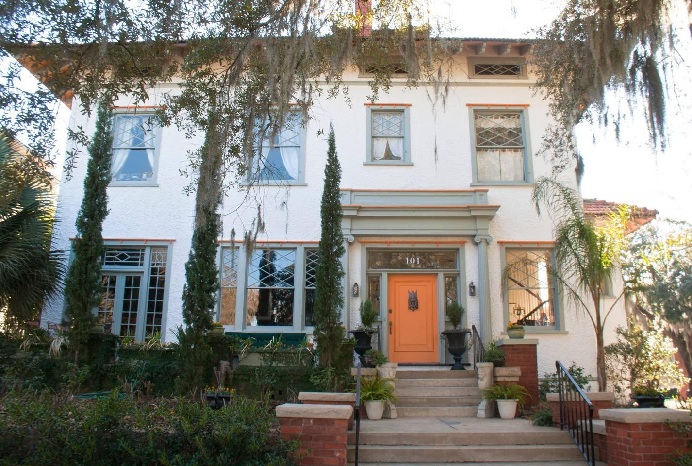 elegant savannah historic home