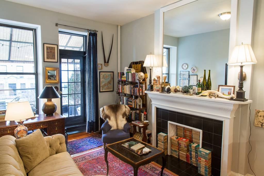 book lovers airbnb new york city