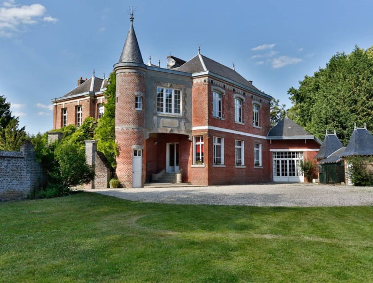 senercy castle with private pond and pool airbnb
