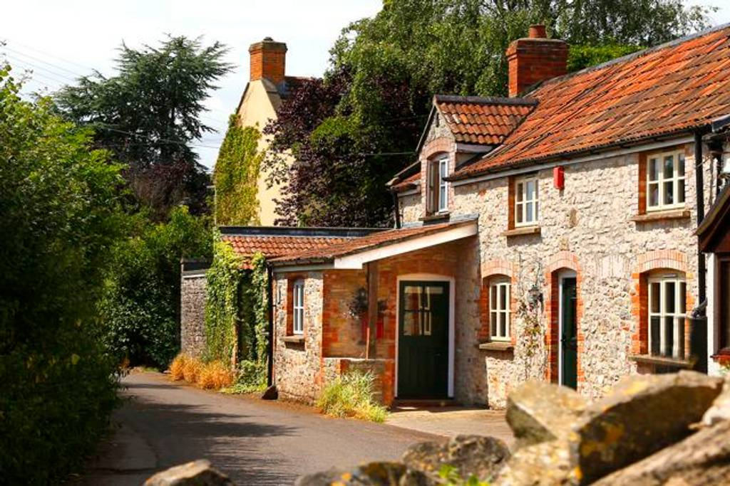 charming country cottage close to glastonbury