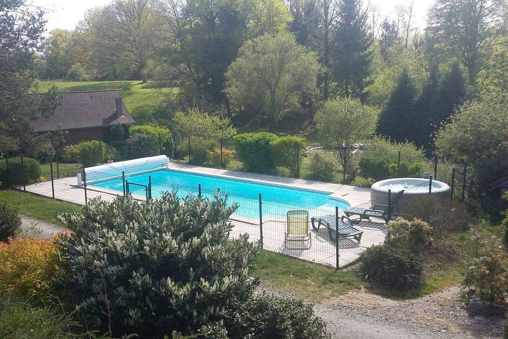 cabin in the dordogne with swimming pool airbnb