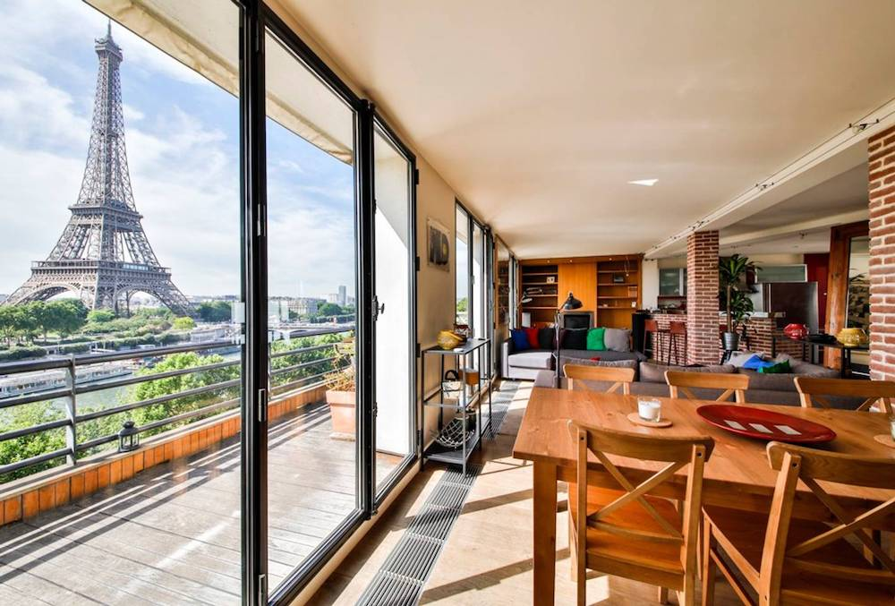home overlooking the seine airbnb paris