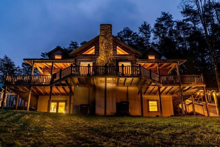 upscale lodge home near columbus