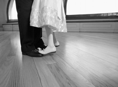 daughter-dancing-fathers-feet