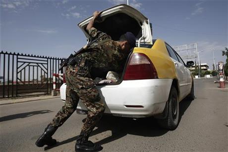 YEMEN'S GOVERNMENT SAYS IT FOILED AL-QAIDA PLOTS