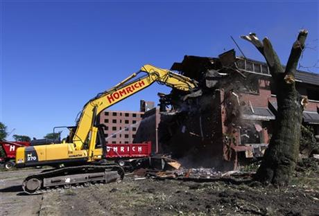 DETROIT HOUSING PROJECT WHERE SUPREMES LIVED RAZED