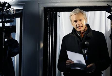 ASSANGE ASKS SWEDEN TO INVESTIGATE LOST LUGGAGE