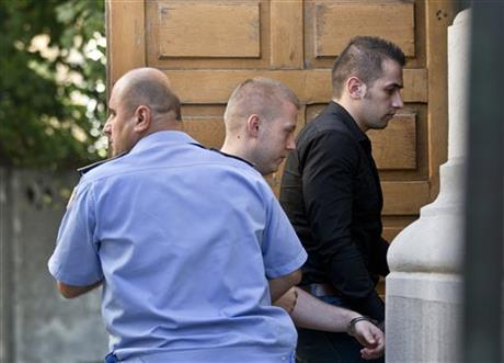 ROMANIANS CHARGED WITH ART THEFT TO PLEAD GUILTY
