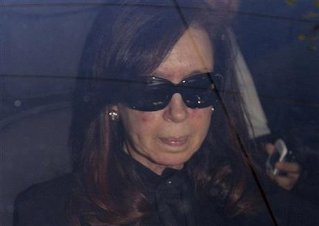 Argentine president returns to work after surgery