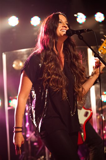 Alanis Morissette aims for Broadway with musical