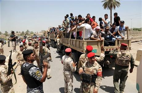 Young Iraqis volunteer to fight surging militants