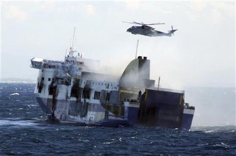 Italian prosecutors order ferry back to Italy