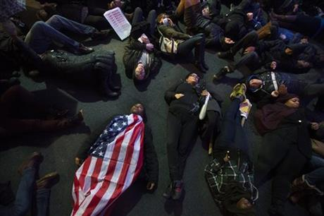 Protesters of chokehold death rally around nation