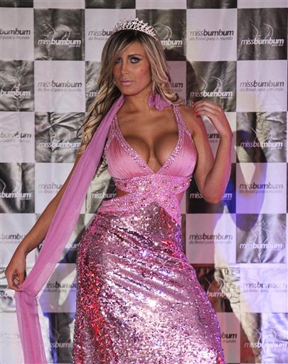 TV star's plastic surgery disaster tests Brazil
