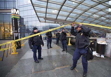DC subway hobbled after smoke filled train, killing 1