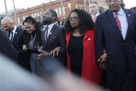 MLK holiday: 'Selma' stars including Oprah march in Alabama