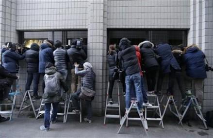 Court sentences Korean Air nut rage exec to 1 year in prison