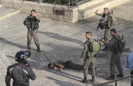 Israeli army begins deploying in Jerusalem against attacks