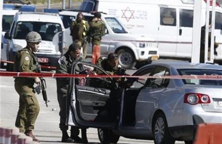 Israel's Netanyahu warns Gaza militants against attacking
