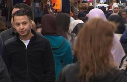 Paris attacks suspect Salah Abdeslam  extradited, charged in France