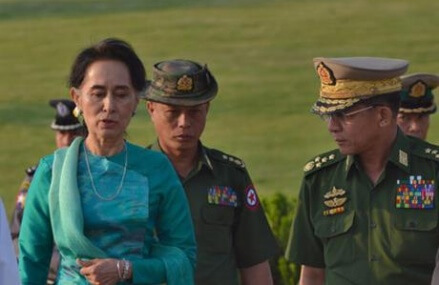 Myanmar leader Suu Kyi makes first official trip, to Laos