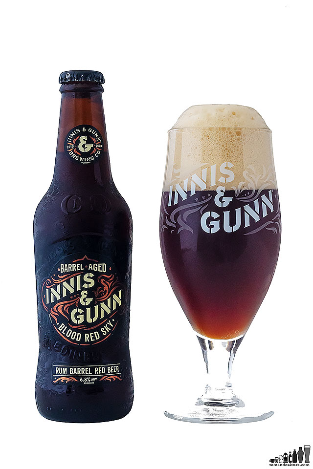Innis & Gunn es la única wood-aged beer disponible en botellas de 330 ml en Perú.
