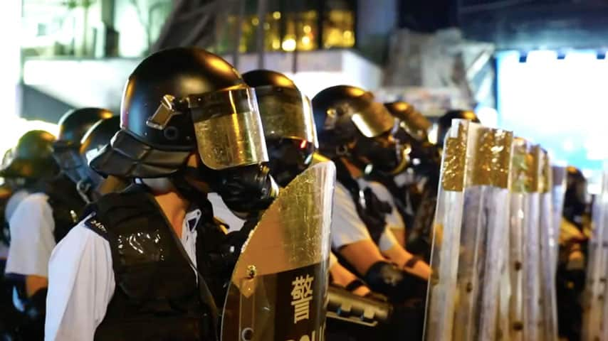 Hong Kong: Police ban demo, troops move to the border