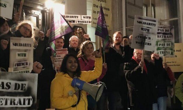 """""""Pas de retrait, pas de trêve"""" – UK solidarity with French workers"""
